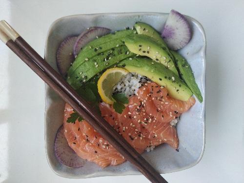 poke bowl tartare de saumon les beuqueries livraison domicile entreprise